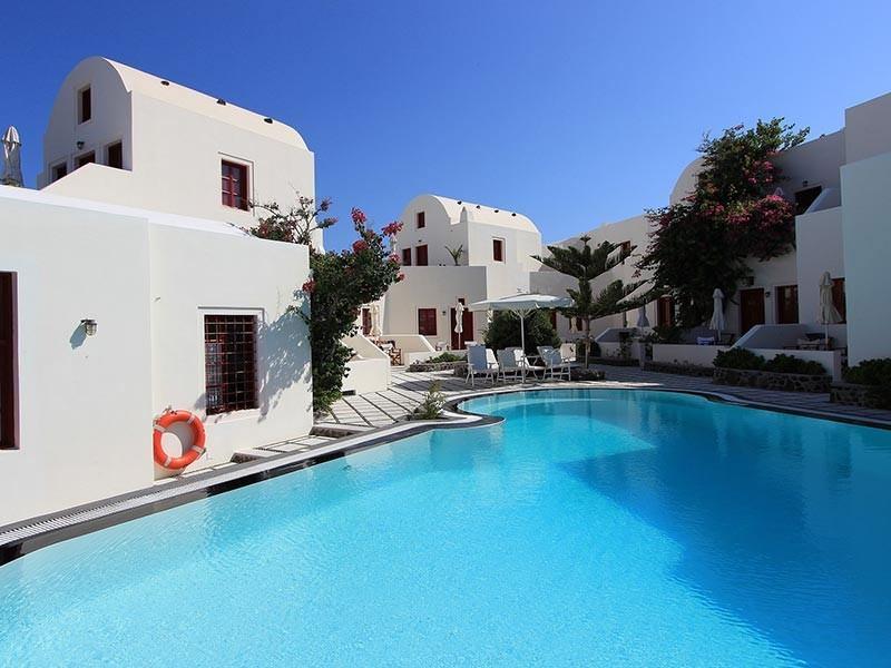 Sun Holidays in Sanyorini, Greece